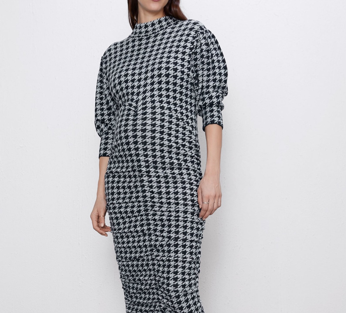 Wrap me in houndstooth